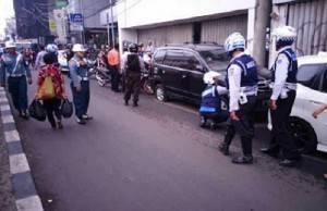 Terjaring Razia Parkir Liar Di Pasar Asemka 41 Kendaraan Diamankan.