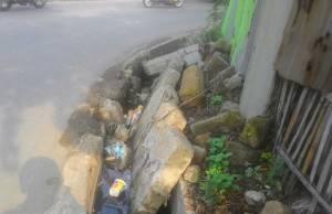 Takut Jadi Banjir, Saluran Jalan Kemuning Mulai Dibersihkan