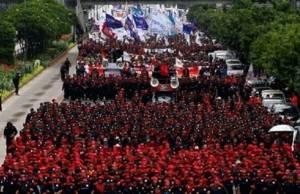 Ribuan Buruh Kepung Istana Presiden